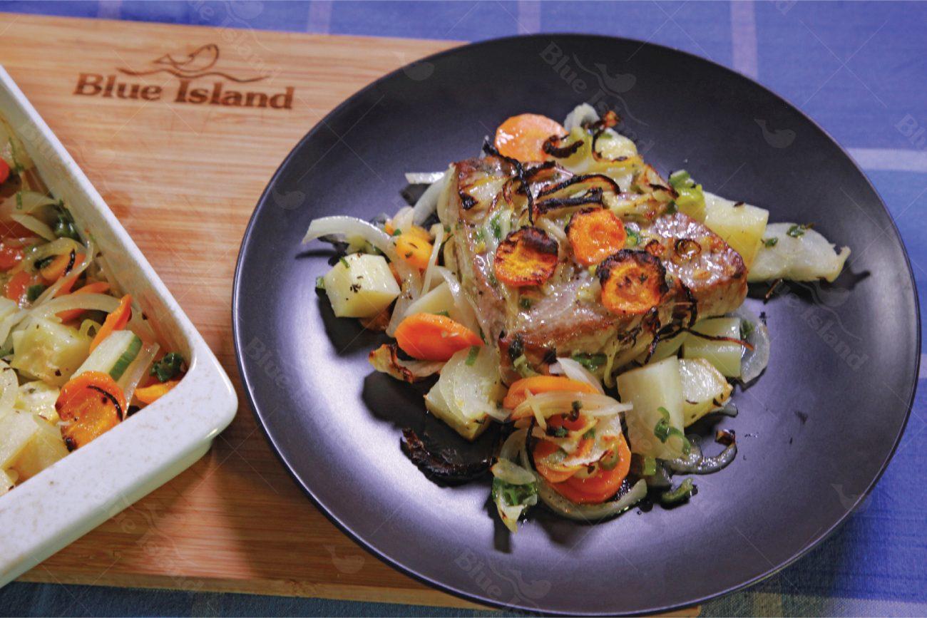 Τόνος στο φούρνο με λαχανικά