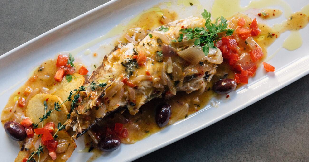 Πεσκανδρίτσα στο τηγάνι με μεσογειακή σάλτσα